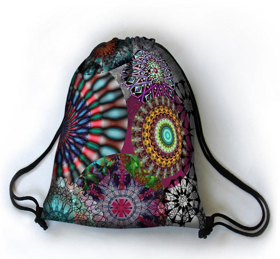 https://evangarda.pl/pol_pl_Designerski-plecak-worek-Karuzela-6833_5.jpg