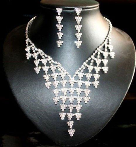 Ekskluzywny komplet biżuterii z błyszczących kryształków