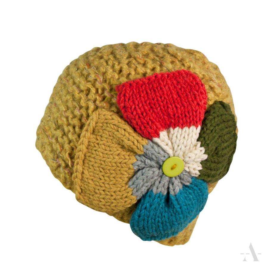 https://evangarda.pl/pol_pl_Fantazyjna-czapka-damska-z-duzym-kolorowym-kwiatem-musztardowa-4832_1.jpg