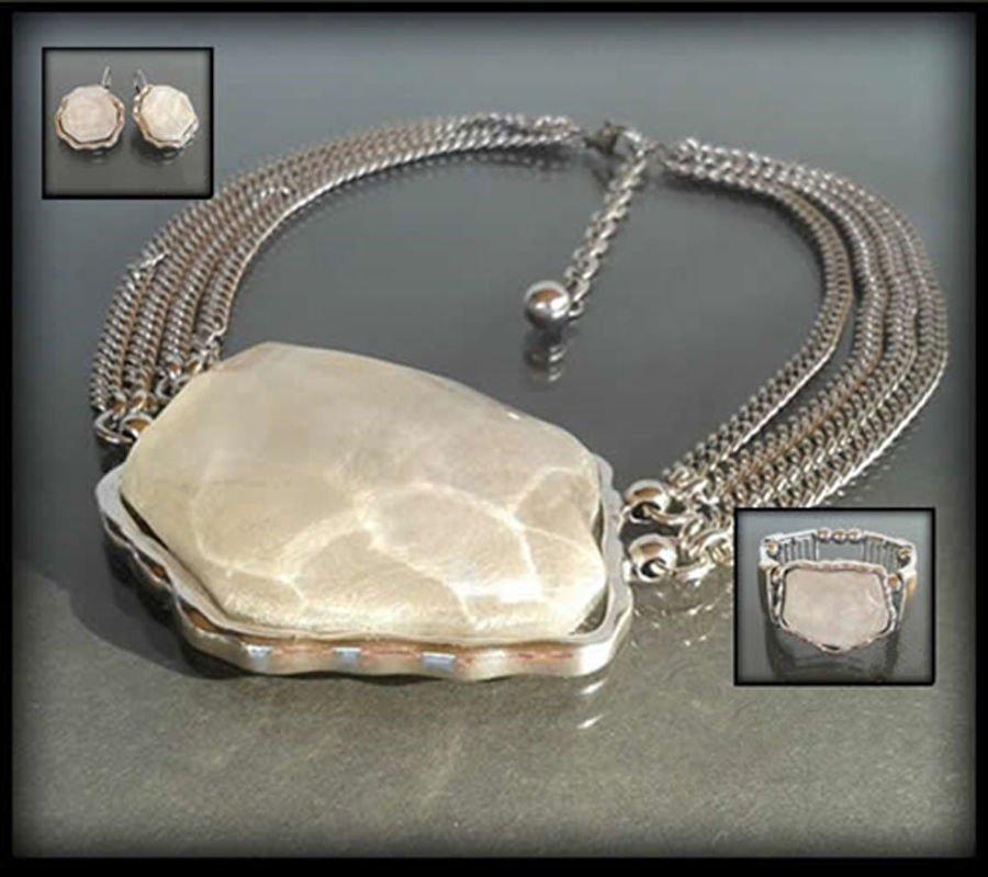 Wykwintny naszyjnik z dużym perłowym kamieniem
